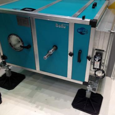 Приточно-вытяжные установки на опорно-крепежных системах BIG FOOT